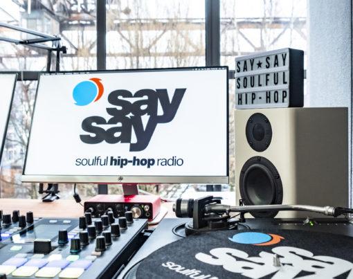 say say soulful hip-hop radio - Radio Studio - 064 - Fotograf Eric Anders