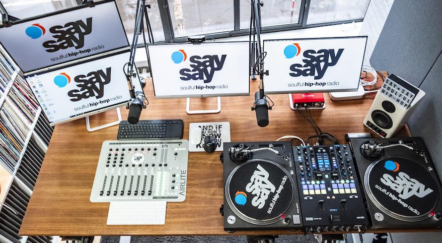say say soulful hip-hop radio Studio Foto by Eric Anders 084