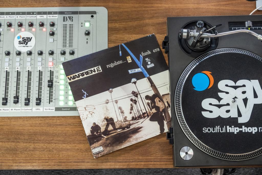 Warren G Regulate G Funk Era Album Cover im Studio von say say soulful hip-hop radio