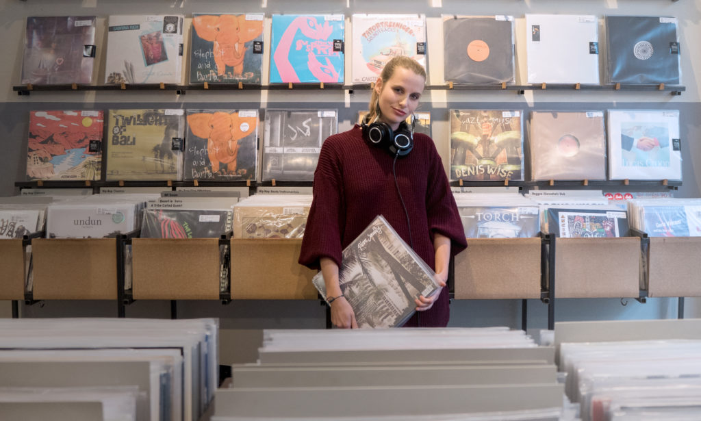 Mona Lina 365 Female MCs bei say say soulful hip-hop radio
