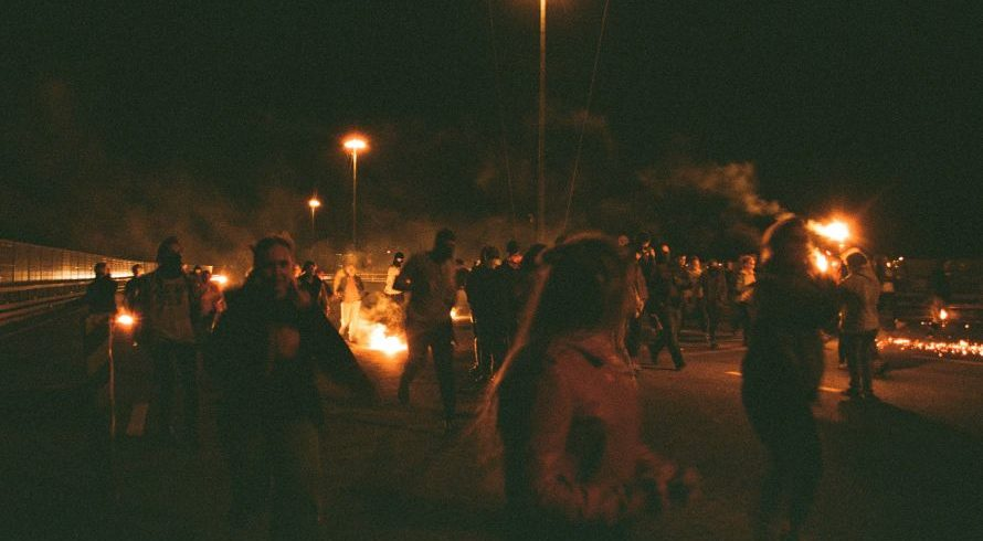 Riots - Pexels by Vital1na